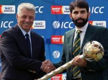 ICC Chief Executive David Richardson presents ICC Test Championship mace to Pakistan Test captain Misbah-ul-Haq at the Gaddafi Stadium in Lahore. Photo: ICC Twitter Handle
