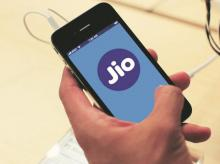 Reliance Jio grabs 9.29 % market share; pools 58 lakh subscribers in March