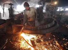 Poor manufacturing show pulls down IIP growth to 3.8% in Sept