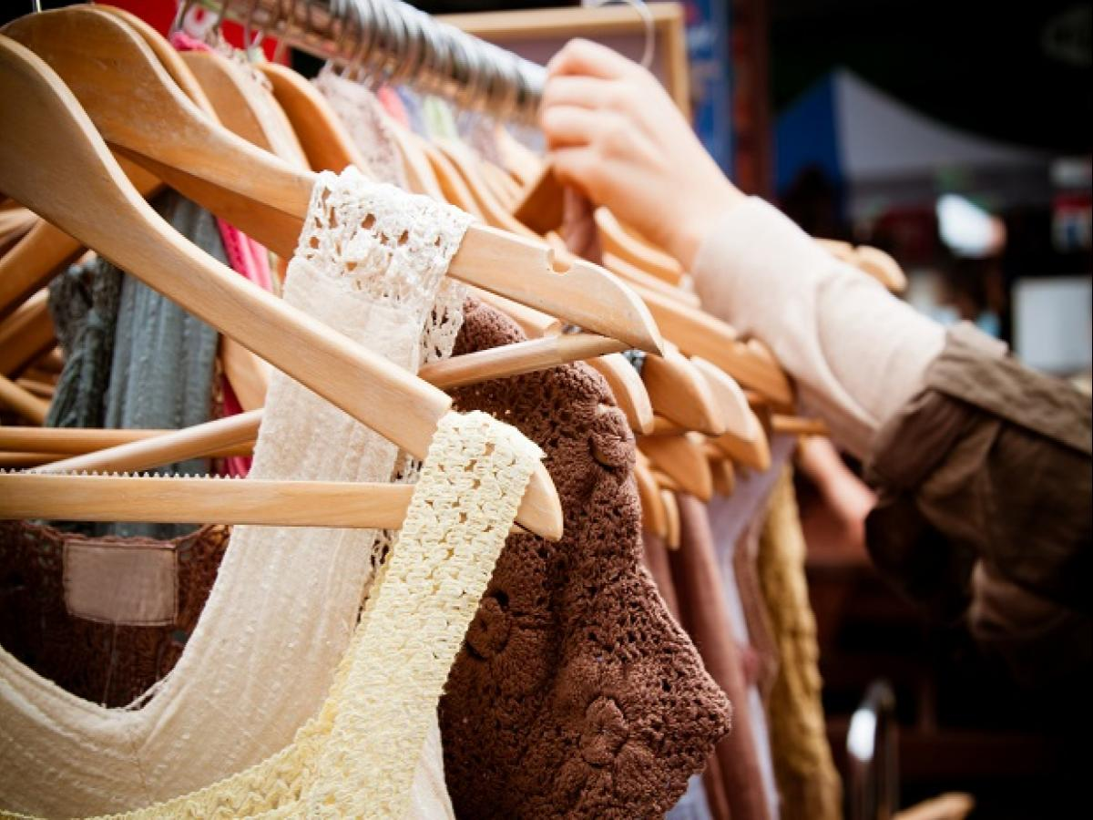 Fashion retailers count on end-of-season sales to shore up