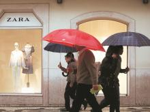 Zara strengthens logistics for online store