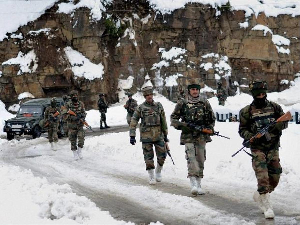 India-China border tensions flare up as soldiers scuffle in Ladakh ...