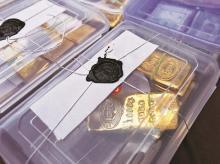 Customs officials, gold