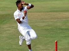 SL's Lakmal vomits on field, smog may rob Delhi of future winter tests