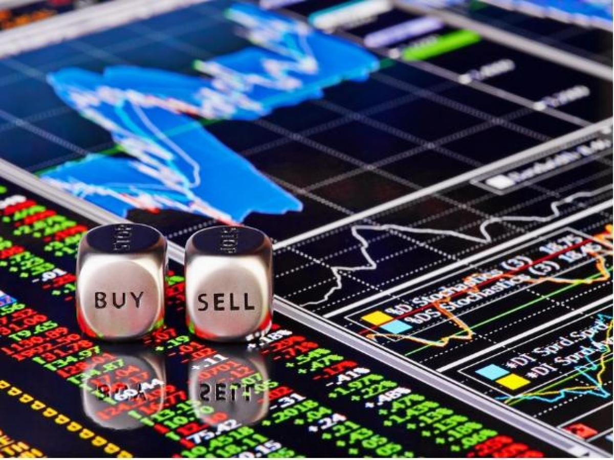 Top Stock Picks By Nilesh Jain Of Anand Rathi Buy Hcl Tech Hdfc Amc Business Standard News