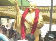 Jayalalithaa statue