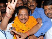 Congress nominated candidate Dheeraj Sahu flashes a victory sign after being elected as new MP of Rajya Sabha in Ranchi