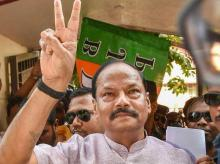 Jharkhand Chief Minister Raghubar Das flashes a victory sign after BJP won both the seats of Mayor, Deputy Mayor and other ward commissioners seats during Ranchi Municipal Corporation (RMC) Elections 2018 at BJP Headquarters in Ranchi