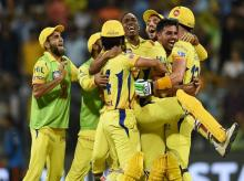 CSk vs SRH, Chennai Super Kings players celebrate thier victroy against Sunrisers Hydrabad  during the 1st Qualifer IPL 2018 match played in Mumbai. Photo: PTI