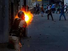Srinagar,Kashmir,Kulgam,Protest