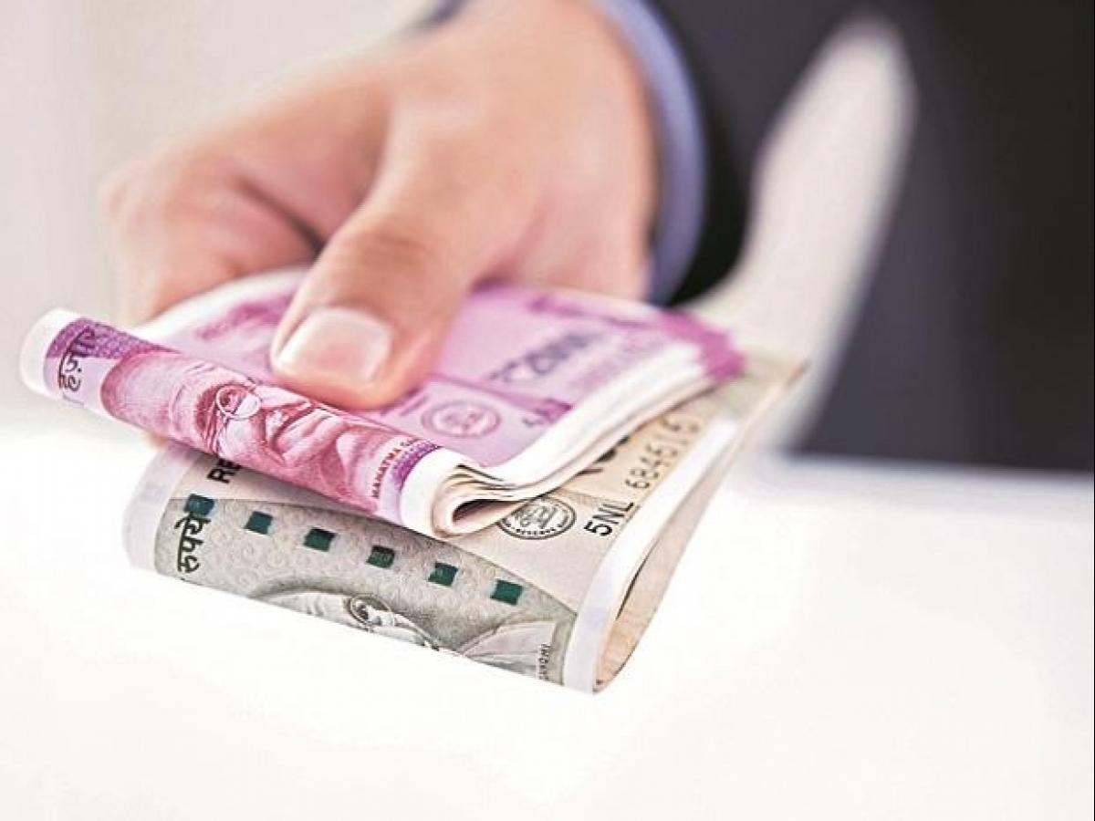 Cabinet approves 2% hike in DA for central govt employees and