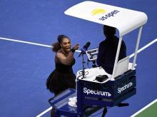 Serena Williams yells at chair umpire Carlos Ramos in the women's final against Naomi Osaka of Japan | Photo: Reuters