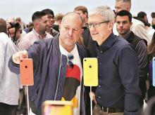 Apple CEO Tim Cook (right) with chief design officer Jonathan Ive in Cupertino. Photo: Reuters