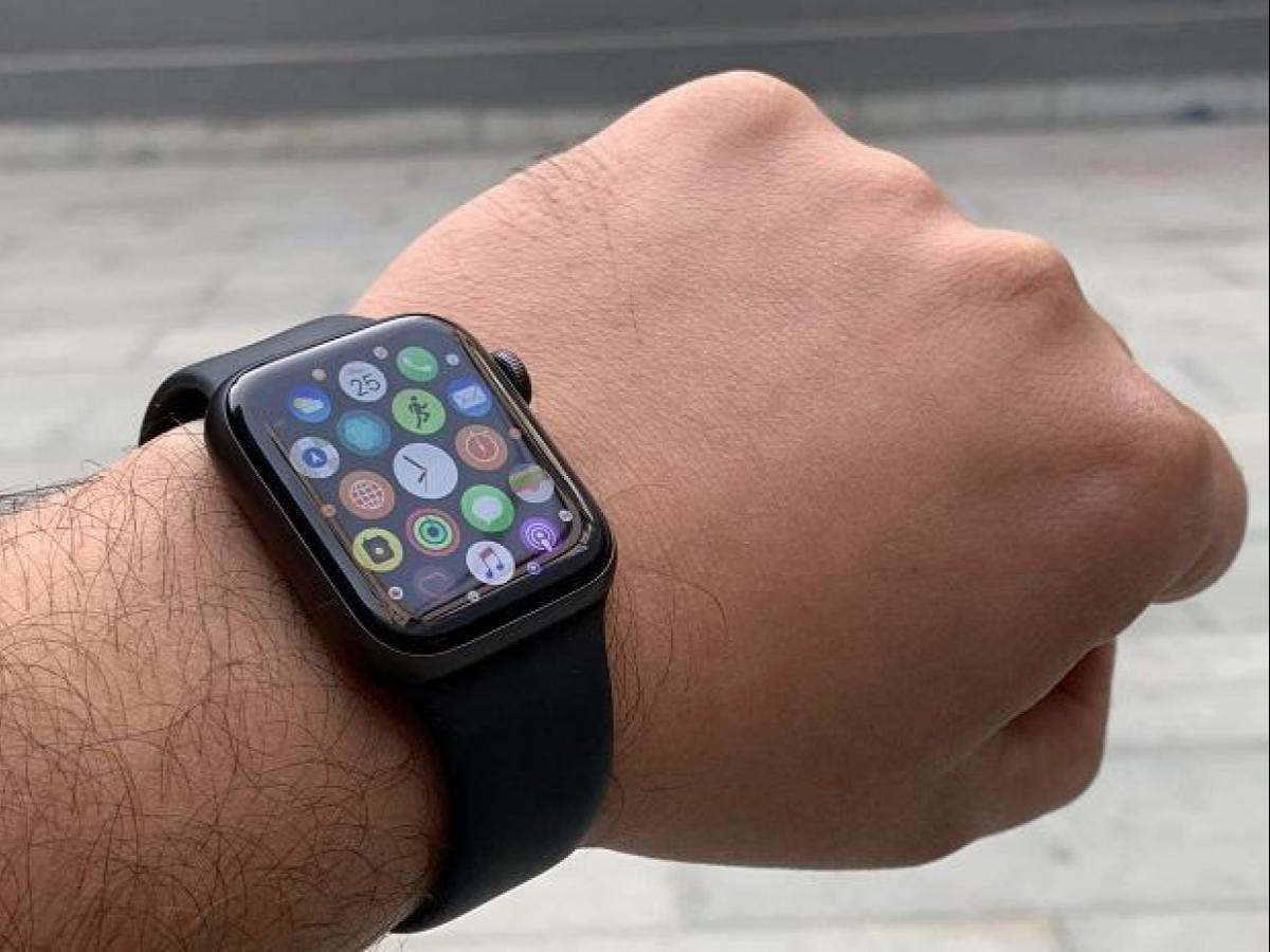 Apple Watch Series 4: A GPS + LTE-based watch that shows more than
