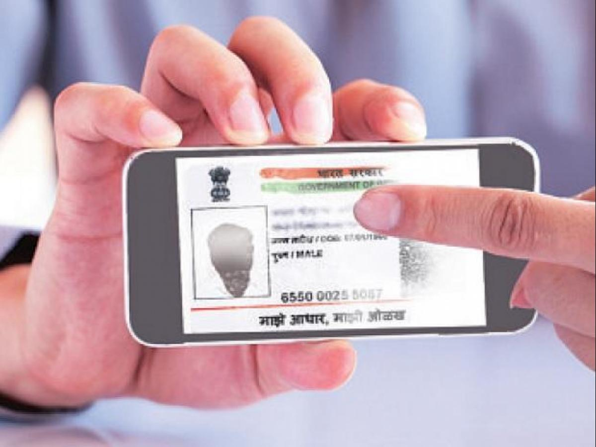 Linking Aadhaar with voter ID may be mandatory: Here's what you must know |  Business Standard News