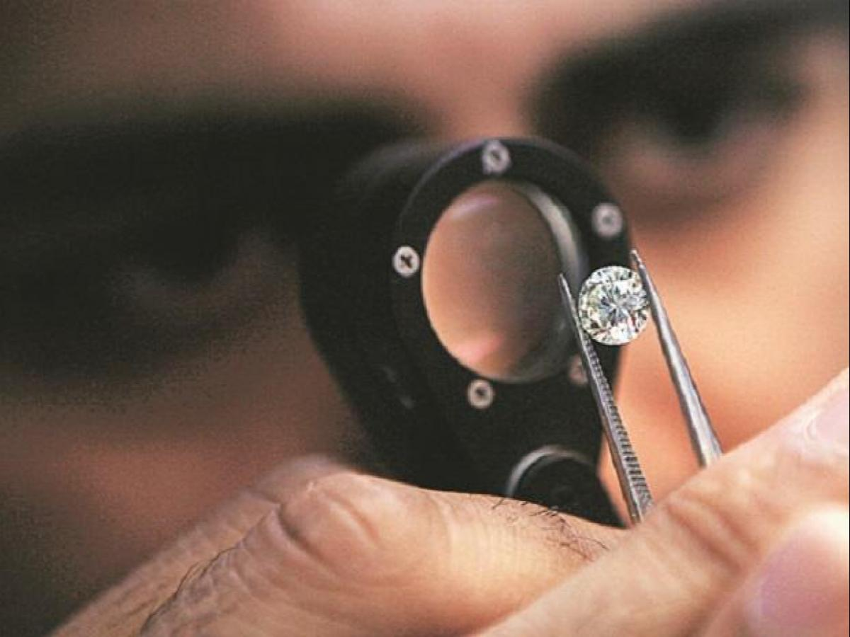 unlock 3.0: surat diamond industry crawls back to work amid relaxed norms   business standard news