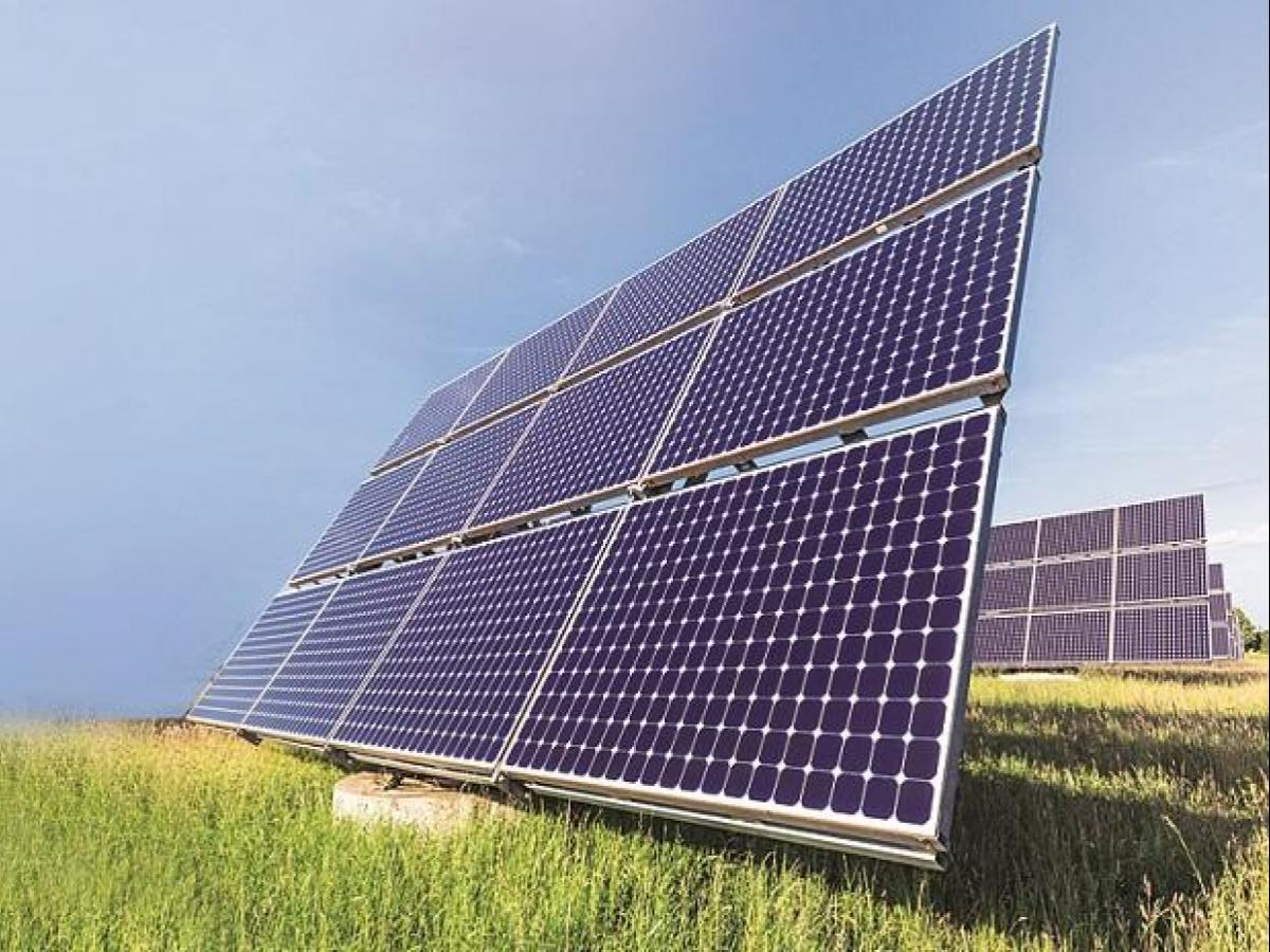 Centre issue tenders for developing 30,000 MW of renewable projects