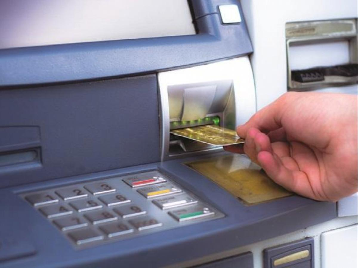 Number of ATMs dips, PoS centres see rise in digital