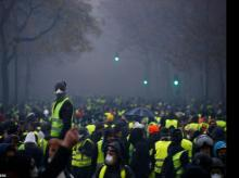 protest in france, France protesters, pfly riders, yellow vests, paris riots