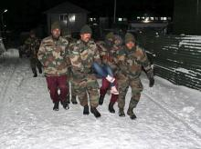sikkim, indian army, snowfall, skkim snowfall, indian army, tourist