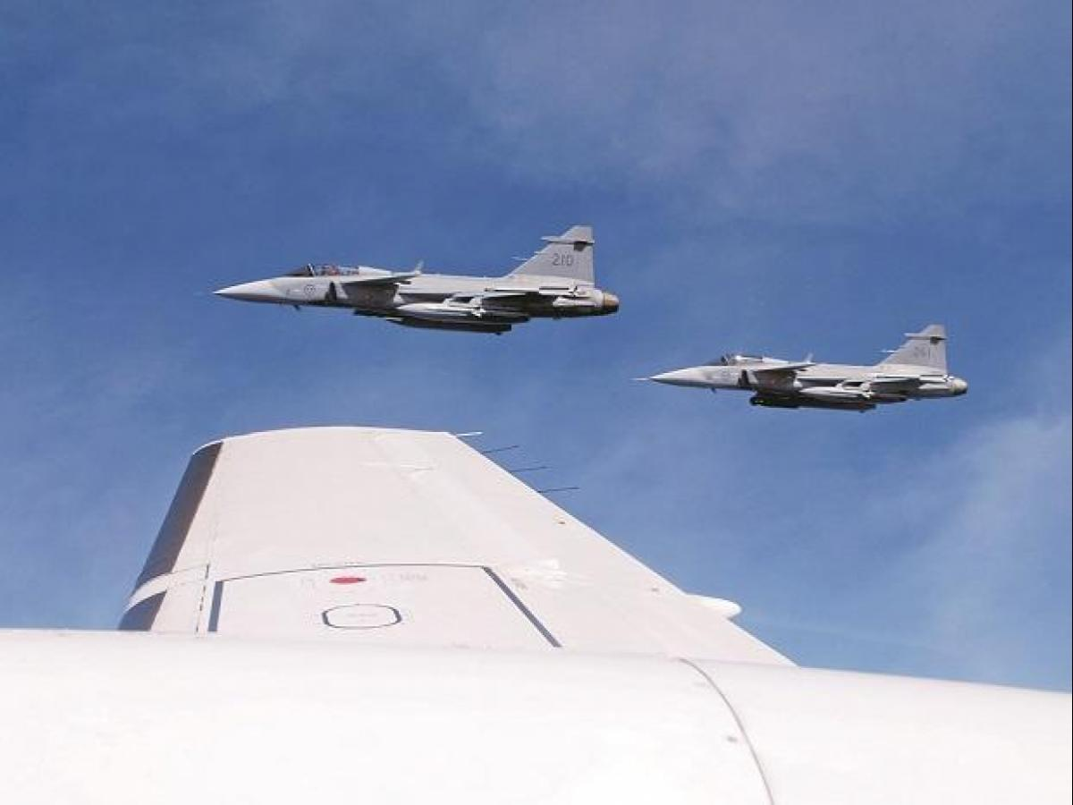 Swedish manufacturer Saab offers to build 96 Gripen fighters in