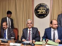 N S Vishwanathan, Deputy Governors RBI, RBI Governor Shaktikanta Das and Viral Acharya, Deputy Governors RBI during a press conference in Mumbai (Photo-KAMLESH PEDNEKAR)
