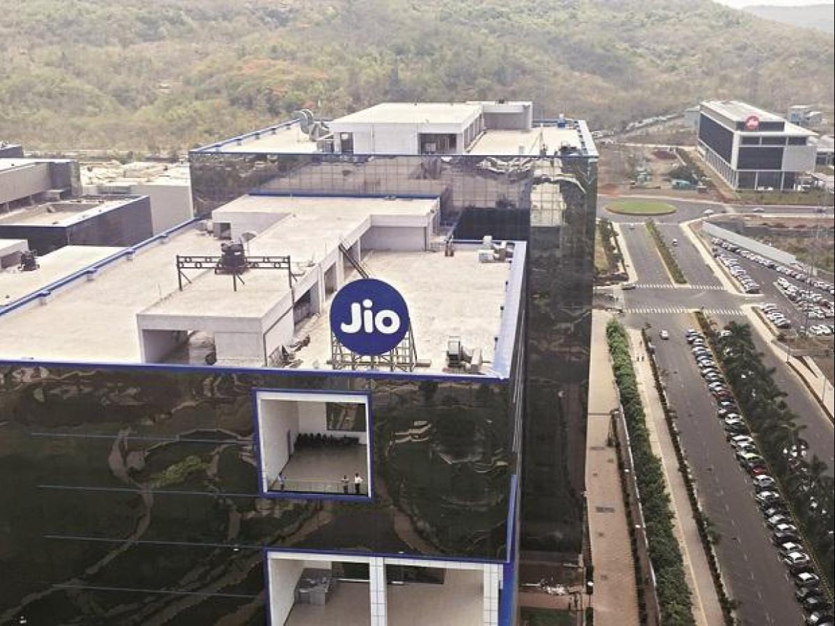 Jio's GigaFiber to offer broadband, landline, TV combo for Rs 600 a