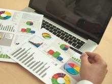report, credit score, graphs