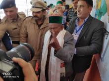 Shyam Saran Negi casts his vote for the 32nd time | Courtesy: ANI