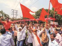 Shiv Sena supporters in Thane celebrate NDA's lead during the counting of votes