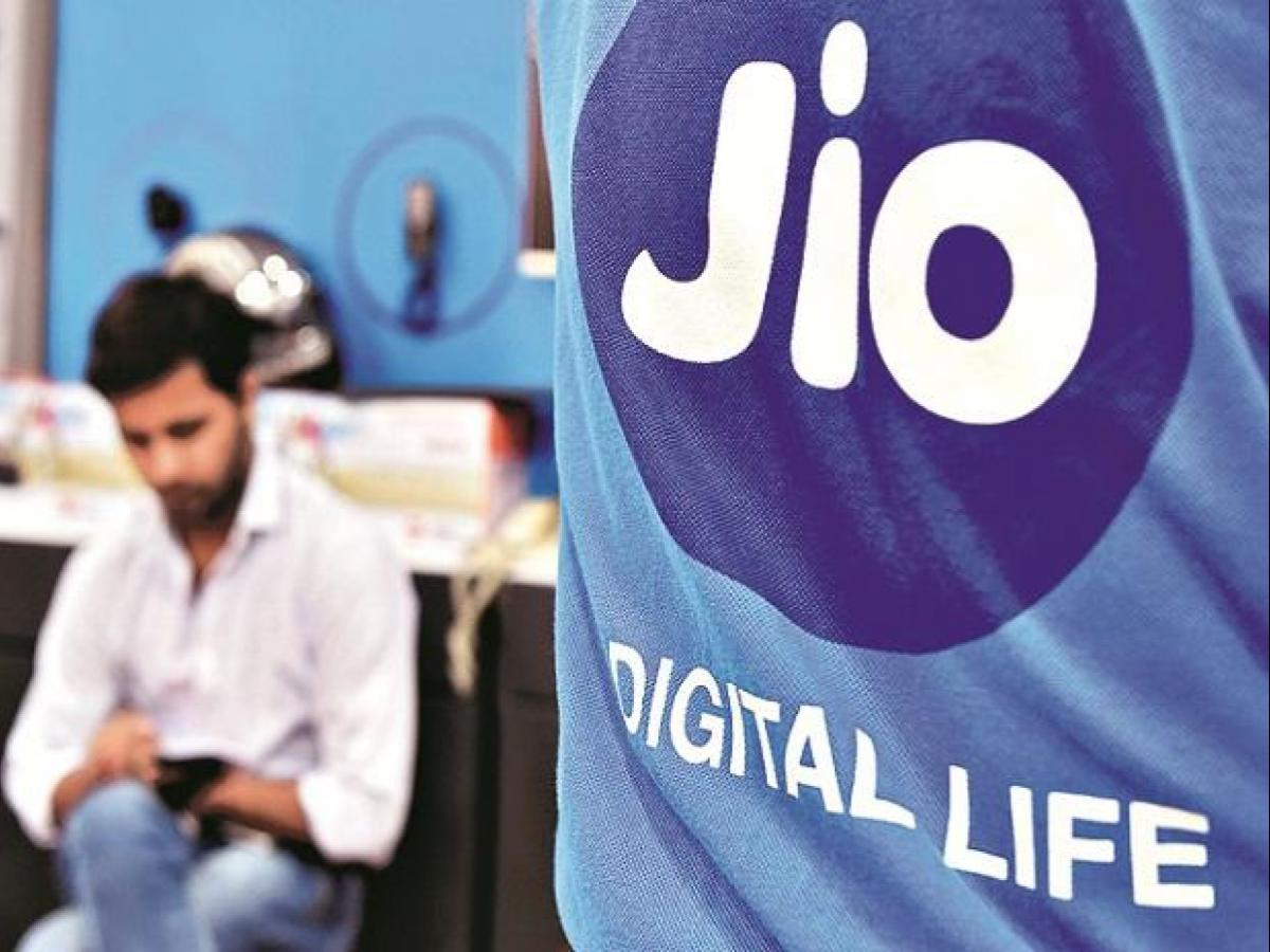 Reliance launches JioFiber, sets up new battle with Airtel