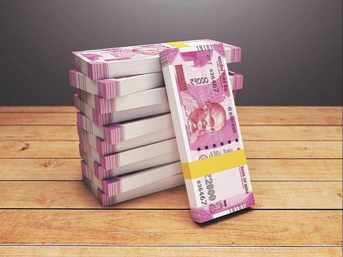 Govt to levy 2% TDS on cash withdrawal over Rs 1 cr from