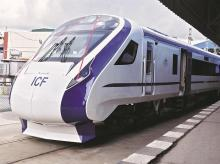 vande bharat express or train 18