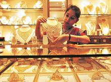 High price of gold poses systemic risk for jewellers who avail loan