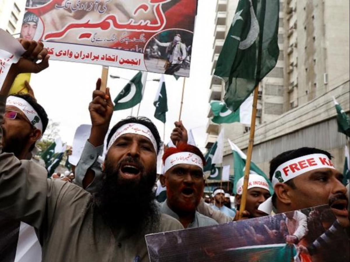 China and Muslim countries silent, Pakistan alone protests Kashmir