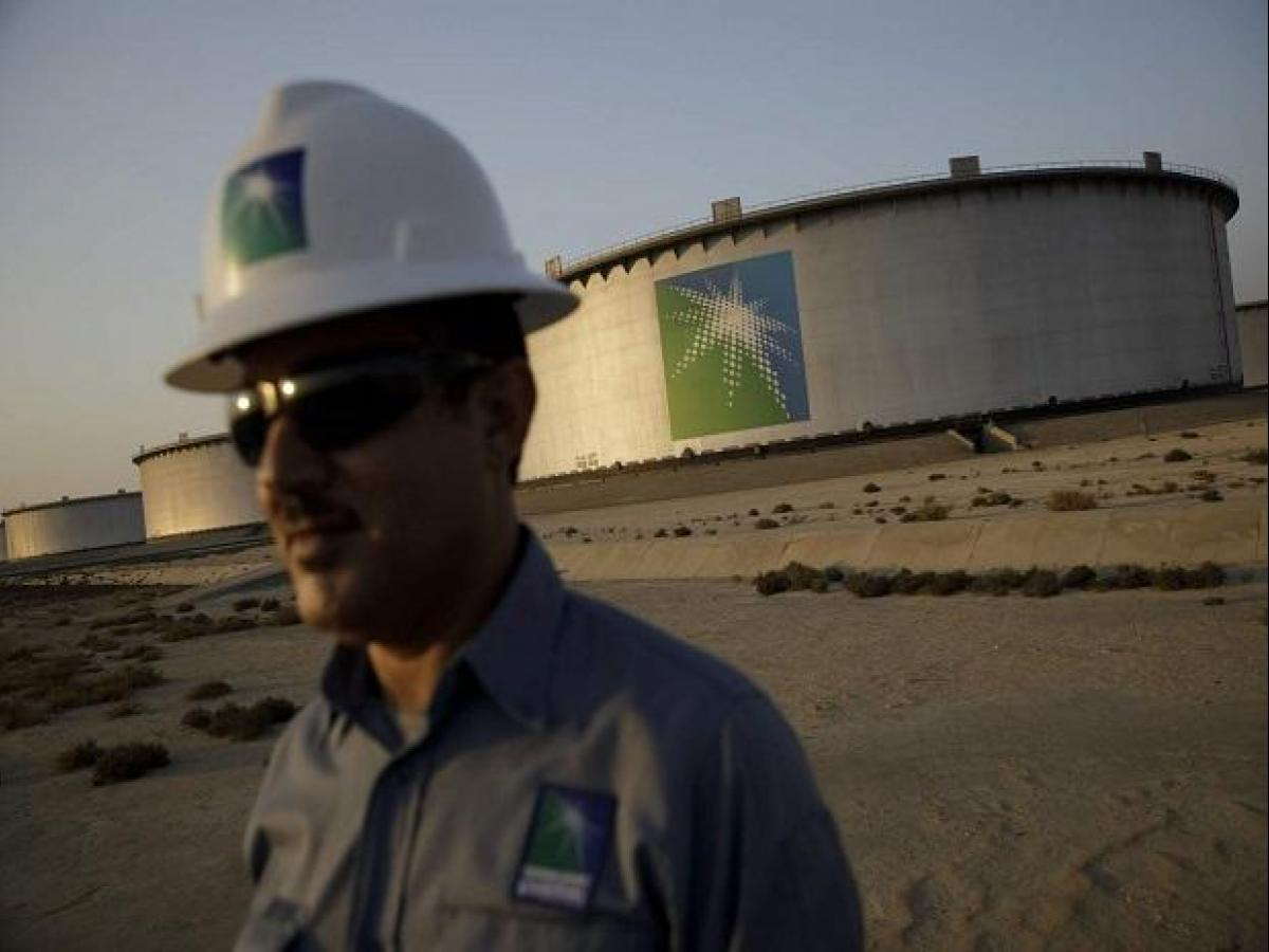 Saudi Aramco defends hold on coveted Indian oil market with