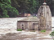 Heavy rain lashes northern states, 28 dead; alert sounded in Delhi