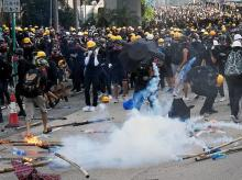 Demonstrators clash with riot police during a protest in Hong Kong, China, August 24, 2019. Photo: Reuters