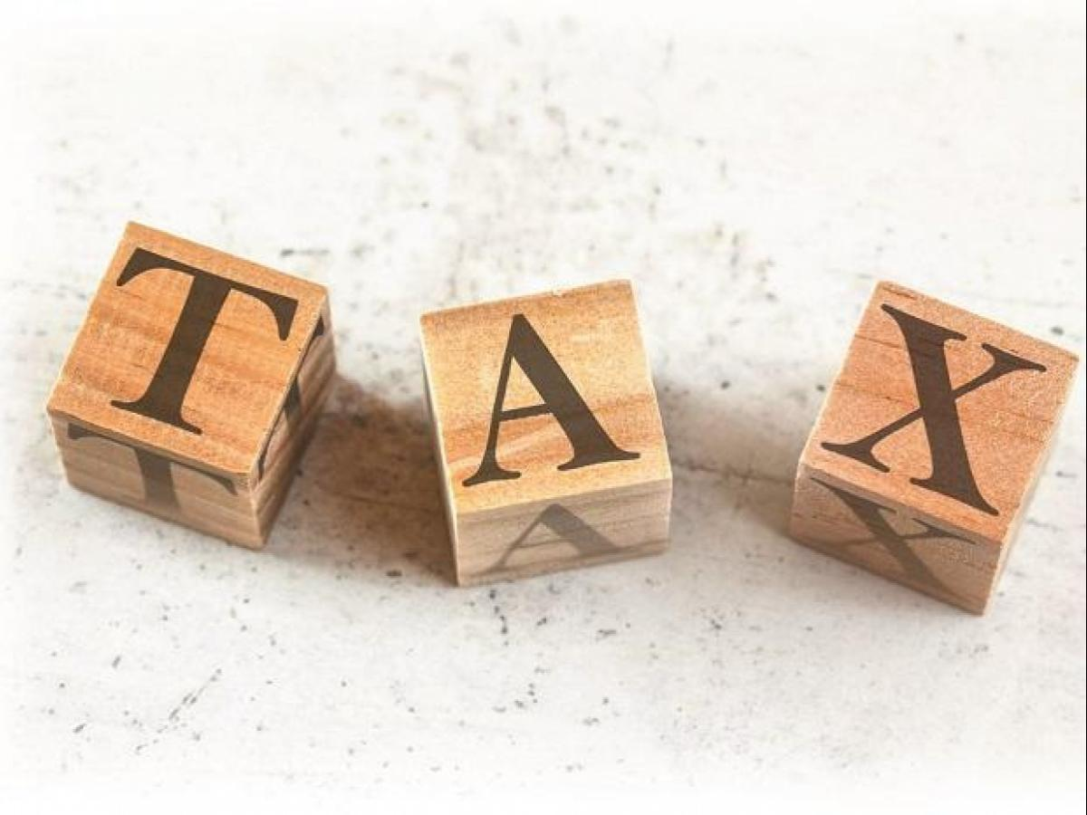 Direct Taxes Code panel for status quo on LTCG tax, STT