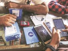 Jio becomes the market leader with 31.7% AGR, telcos record 9% growth