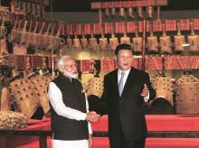 A file photo of Chinese President Xi Jinping and Indian Prime Minister Narendra Modi at the Hubei Provincial Museum in Wuhan, Hubei Province