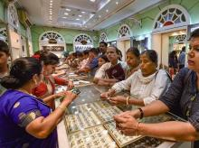People purchasing Gold Jewellery at UTZ Jewellery Shop.