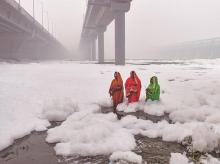 chhath puja, pollution, water polluted, water contamination, yamuna water, yamuna, air quality in delhi