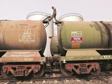 oil tanker, crude oil storage tanks