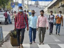 Coronavirus LIVE: Govt asks states not to let people march across cities