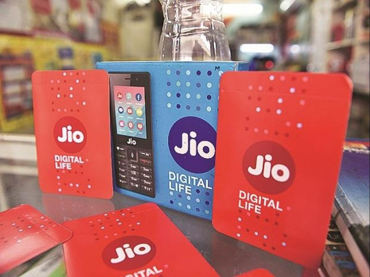 Reliance Jio offers free Hotstar+Disney, Amazon Prime yearly subscription |  Business Standard News