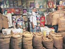 Delhi traders try to woo back customers with heavy rebates, free masks