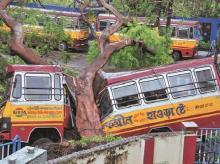 cyclone amphan, bengal, kolkata, accident, bus, storms