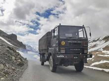 indian army, trucks, border