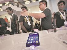 LG unveils 2 new devices to tap into premium smartphone market in India